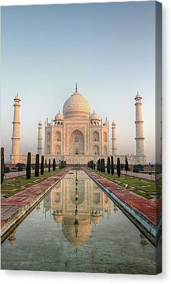 Sunrise At Taj Canvas Print