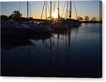 Sunrise At The Marina  Canvas Print