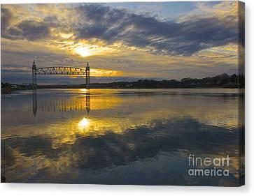 Sunrise At The Train Bridge Canvas Print