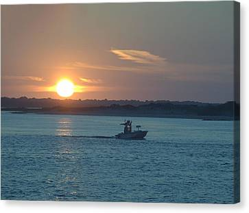 Canvas Print featuring the photograph Sunrise Bassing by  Newwwman