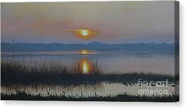 Sunrise On Lake Hollingsworth Canvas Print by Michael Nowak