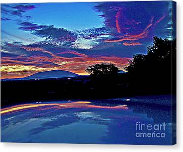 Sunrise Over Mauna Kea Canvas Print
