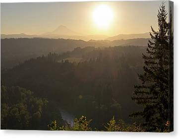 Sunrise Over Mount Hood And Sandy River Canvas Print by David Gn