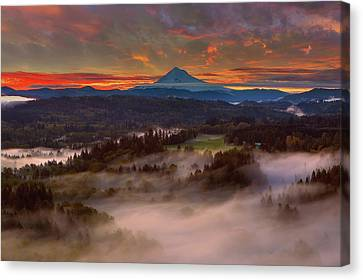 Sunrise Over Mount Hood And Sandy River Valley Canvas Print by David Gn
