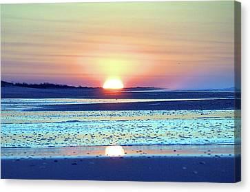 Sunrise X I V Canvas Print by Newwwman