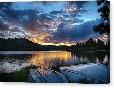 Canvas Print featuring the photograph Sunset At Hiawatha Lake by Monte Stevens