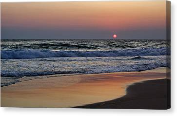 Sunset At St. Andrews Canvas Print by Sandy Keeton