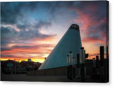 Sunset At The Museum Of Glass Canvas Print by Ryan Manuel