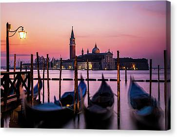 Sunset At Venice Canvas Print by Andrew Soundarajan