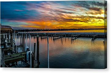 Sunset Masterpiece  Canvas Print by Carlos Ruiz