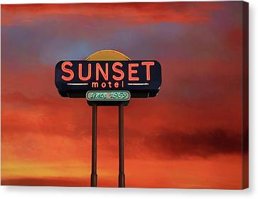 Canvas Print featuring the photograph Sunset Motel by Donna Kennedy
