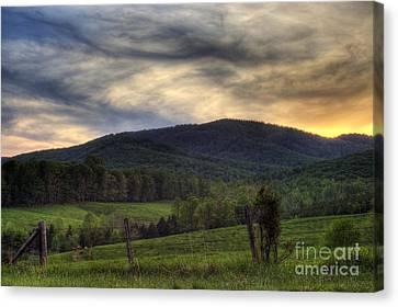 Sunset On Appleberry Mountain 2 Canvas Print by Pete Hellmann
