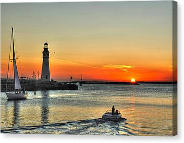 Sunset On Lake Erie Canvas Print