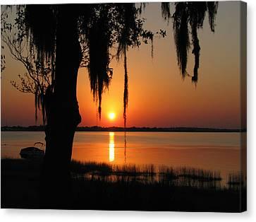 Sunset On Lake Minneola Canvas Print by Peg Urban