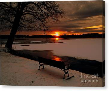 Sunset On Lake Quanapowitt Canvas Print