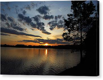 Sunset On Lake Quannapowitt Canvas Print