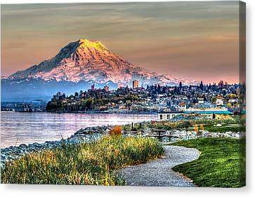 Sunset On Mt Rainier And Point Ruston Canvas Print by Rob Green