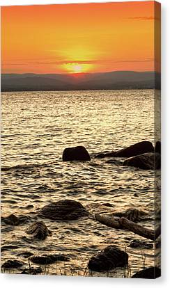 Sunset On The Beach Canvas Print by Alexander Mendoza