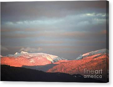 Canvas Print featuring the photograph Sunset On The Monashees by Victor K