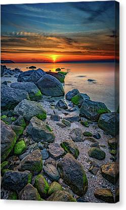 Sunset On The North Shore Of Long Island Canvas Print by Rick Berk