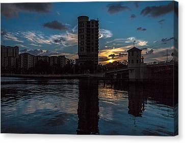Sunset On The Water Canvas Print