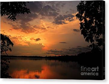 Sunset On Thomas Lake Canvas Print