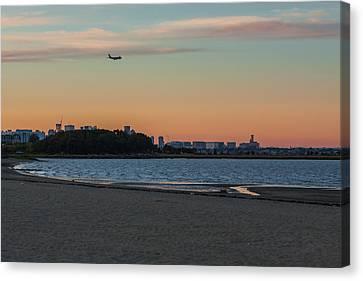 Sunset On Wollaston Beach In Quincy Massachusetts Canvas Print