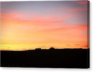 Canvas Print featuring the photograph Sunset Over Cairnpapple by RKAB Works