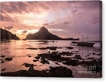 Sunset Over El Nido Bay In Palawan In The Philippines Canvas Print