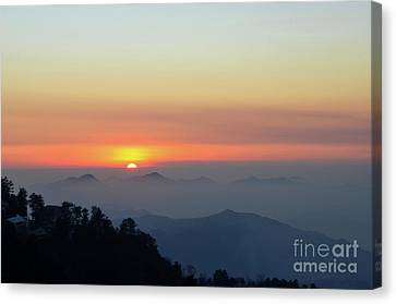 Sunset Over Mountains And Trees Of Murree Punjab Pakistan Canvas Print