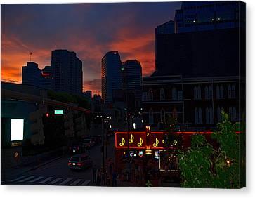 Sunset Over Nashville Canvas Print by Susanne Van Hulst