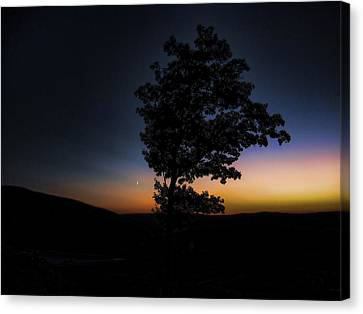 Canvas Print featuring the photograph Sunset Over Pennsylvania by Maciek Froncisz