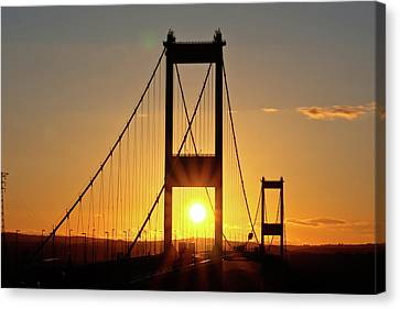 Sunset Over The Severn Canvas Print by Brian Roscorla