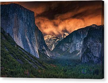 Sunset Skies Over Yosemite Valley Canvas Print by Rick Berk