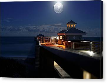 Canvas Print featuring the photograph Super Moon At Juno Pier by Laura Fasulo