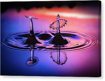 Canvas Print featuring the photograph Synchronized Liquid Art by William Lee