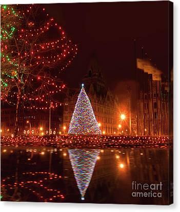 Syracuse, Ny Christmas Tree Canvas Print by Debra Millet