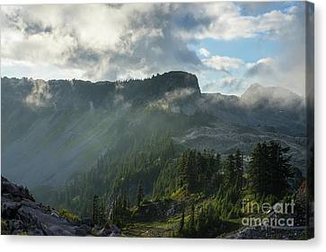 Table Mountain Dramatic Light Canvas Print by Mike Reid