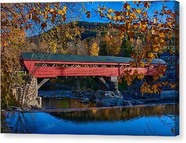 Taftsville Covered Bridge In Autumn Colors Canvas Print