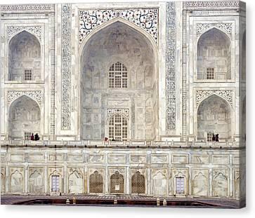 Taj Mahal II Canvas Print by Nina Papiorek