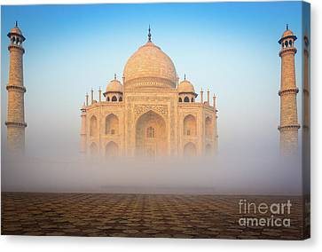 Taj Mahal In The Mist Canvas Print by Inge Johnsson