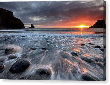 Canvas Print featuring the photograph Talisker Bay Rocky Sunset by Grant Glendinning