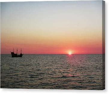 Tampa Bay Sunset 5 Pirate Ship Canvas Print by Marilyn Hunt