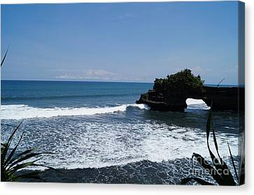 Tanah Lot Temple Bali Canvas Print