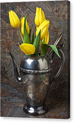 Tea Pot And Tulips Canvas Print by Garry Gay