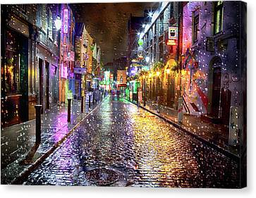 Temple Bar At Night - Dublin Canvas Print