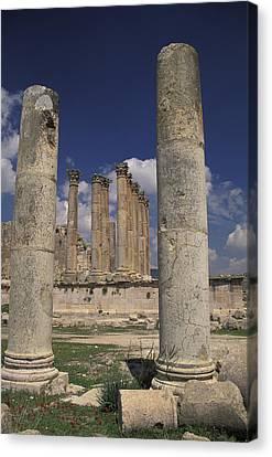 Temple Of Artemis In Jaresh, Jordan Canvas Print by Richard Nowitz