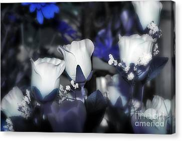 Tender Thoughts Of You Canvas Print by Wendy Mogul