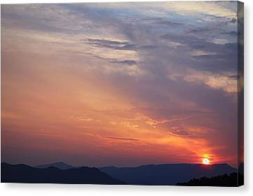 Tennessee Sunset Canvas Print by Beth Vincent