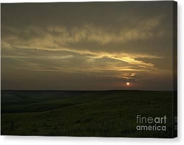 Teterville Sunset Canvas Print by Fred Lassmann